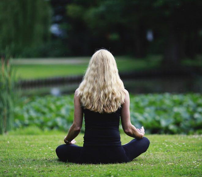 Comment la technique de méditation «heartfulness» vous aidera à vous relaxer et à retrouver l'équilibre